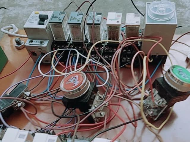 正反转双重联锁带能耗制动