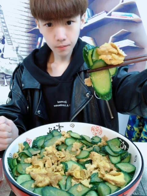 超喜欢鸡蛋 - 大胃王韩文龙95的快手