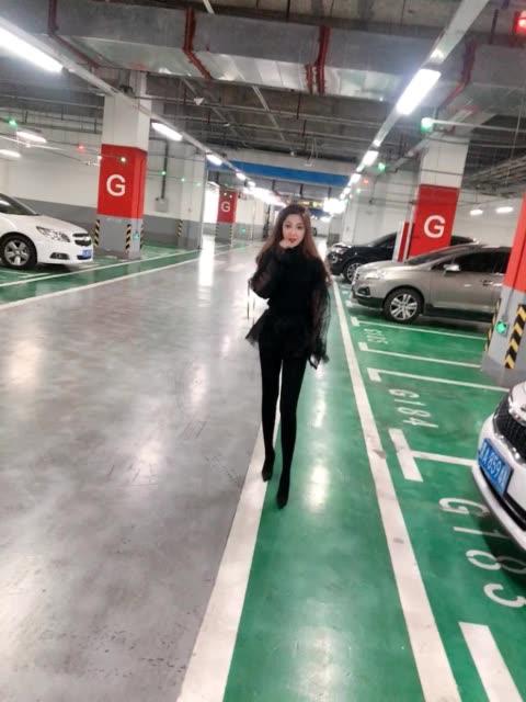 绝色双奶护士佳鑫夫人皮草自拍视频_第25期