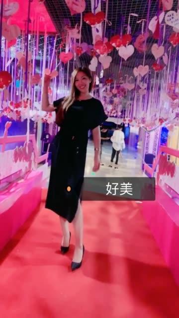 肥臀大奶女模简约不简单自拍视频_第4期